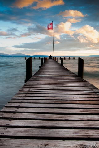 Lake-Pontoon-At-Dusk-iphone-wallpaper-ilikewallpaper_com
